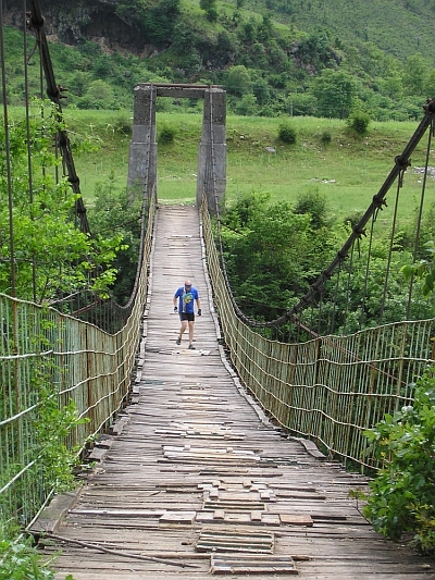 Marc Dirkx puts an old Albanian hanging bridge to the test