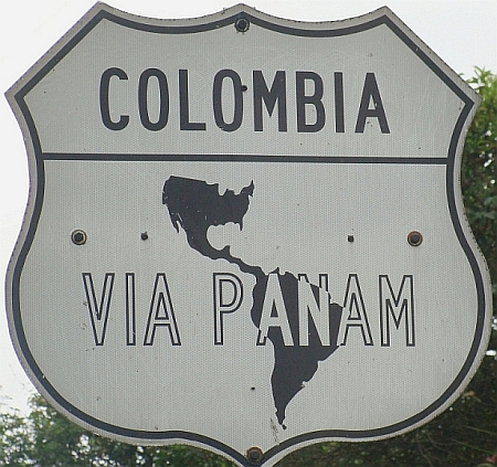 I did not have any maps of Colombia but the route was easy: north over the Panamericana
