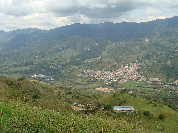 Landscape between Medellín and La Rosa