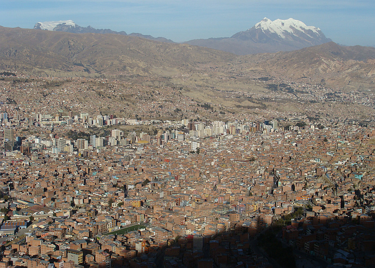 The immense valley of La Paz