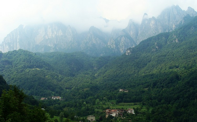 The majestic Pasúbio mountain range between Rovereto and Schio