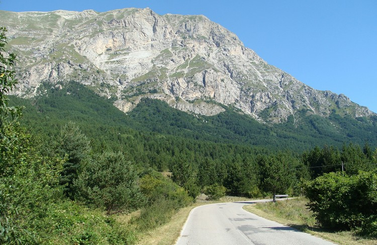 Looking back to the Monti Sibillini from Arquata