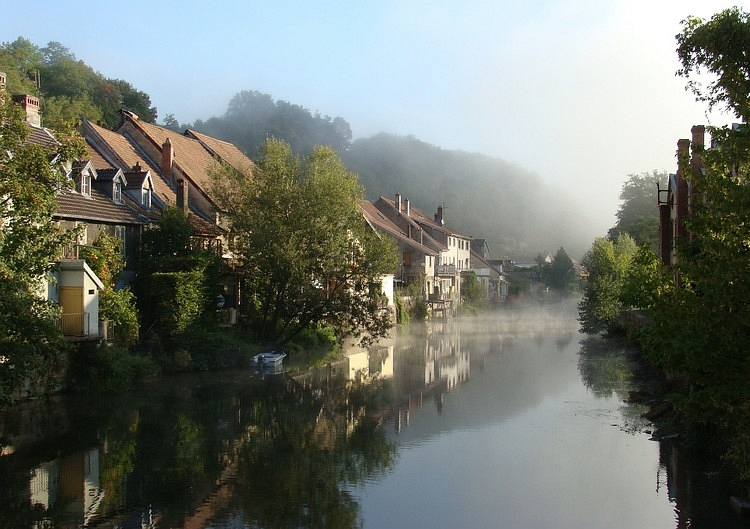 Another hazey morning, L'Isle sur le Doubs