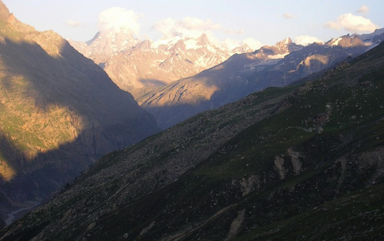 Descent of the Rohtang La