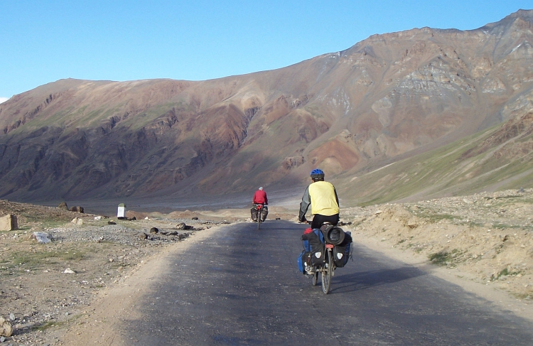 Jeroen and I are approaching Sarchu