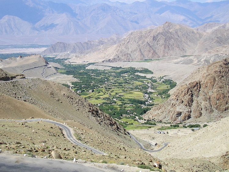 We climb rapidly above the oases of Leh