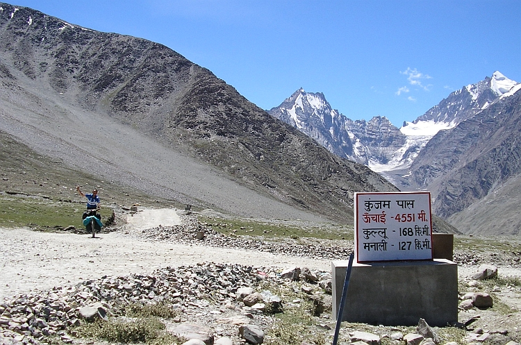 Willem arrives at the Kunzum La