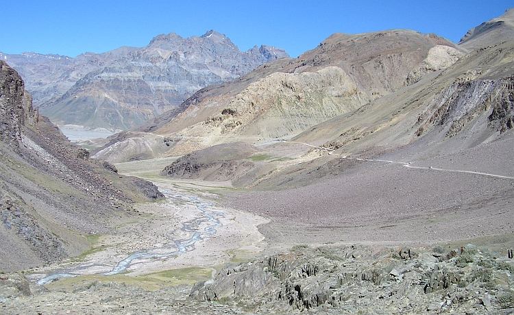 Descent of the Kunzum La
