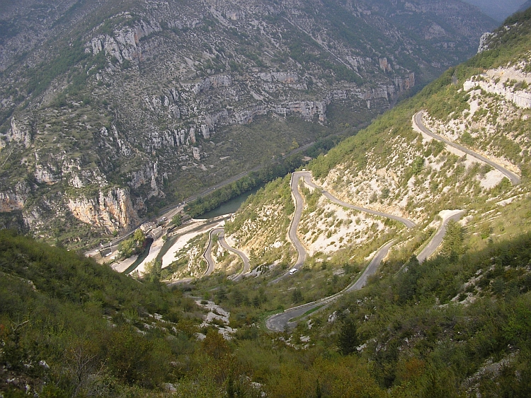 The long and winding road, the ascent out of the valley of the Tarn to the Causse Méjean