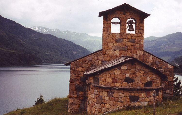 Chapel on the way to the Cormet de Roselend