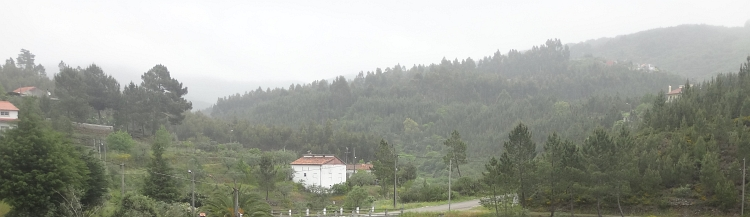 Regen in de Serra de Olvelos