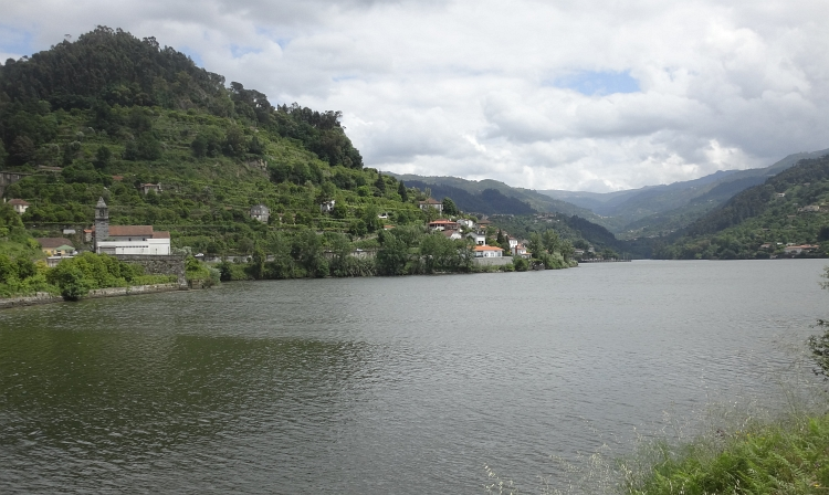 The Douro near Ribadouro