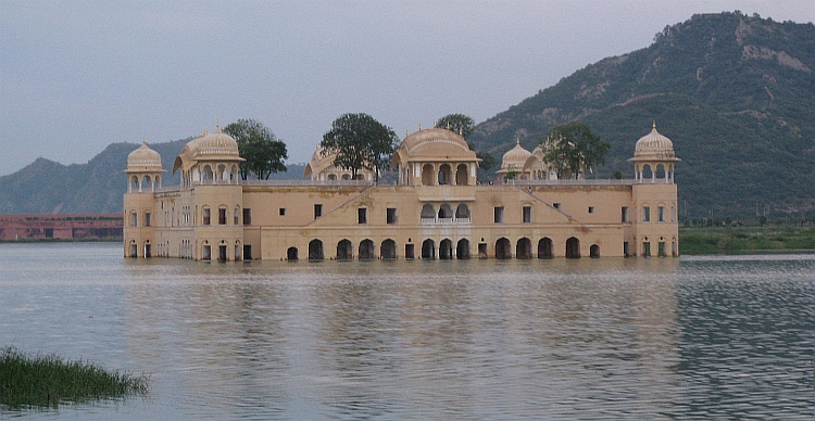 The Floating Palace, Jaipur. Picture by Willem Hoffmans