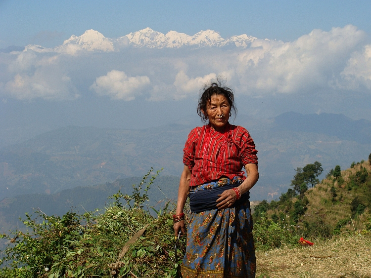 Woman on the way from Trisuli Bazaar to Kathmandu