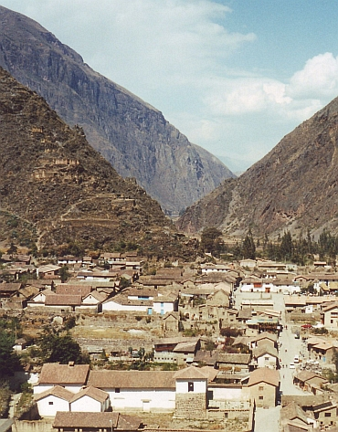 View over the village of Ollantaytambo